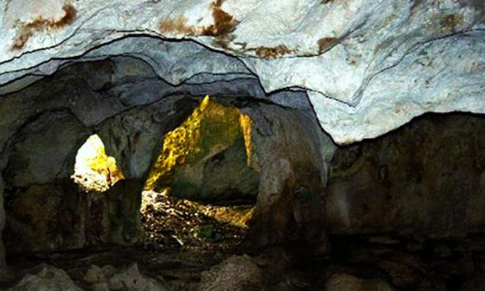middle caicos caves